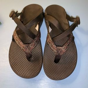 Brown and Pink Chaco Flip Flop Sandals 10